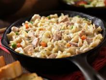 pasta met tonijn, erwtjes en wortelen