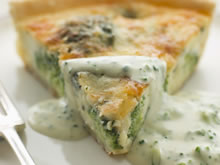 quiche met broccoli en roquefortsaus